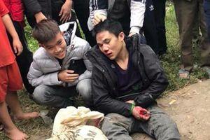 Vĩnh Phúc: 'Cẩu tặc' bị người dân vây đánh bầm dập mặt mũi chân tay
