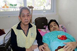 Mẹ già 65 tuổi ròng rã 10 năm xin cơm từ thiện để chạy chữa bệnh hiểm nghèo cho con