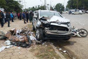 Chủ xe Ford đâm taxi, 3 xe máy tại Hà Đông là phụ nữ