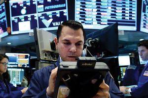 Chứng khoán biến động dữ dội, tâm lý nhà đầu tư cần được giữ vững