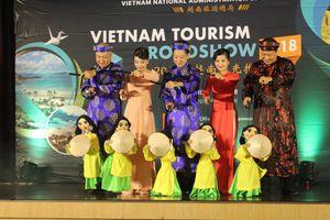 Rối Việt và những cuộc 'mang chuông đi đánh xứ người'