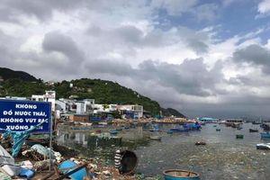 Nóng trên mạng xã hội: Sốc vì rác trên đảo Bình Ba cùng hàng loạt TNGT cuối tuần