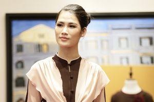 Miss Thân thiện Ngọc Anh nền nã với trang phục Phật tử