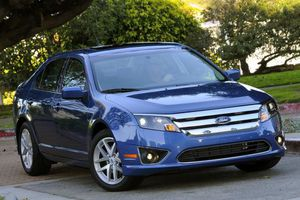 Ford triệu hồi gần 1 triệu xe lỗi túi khí trên toàn thế giới