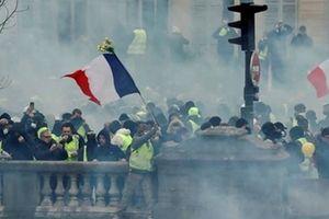 Người biểu tình 'Áo gile vàng' đập phá tòa nhà Chính phủ Pháp