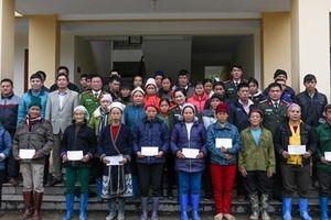 200 suất quà Tết đến với người nghèo miền núi tỉnh Bắc Kạn