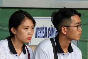 Sinh viên thoát chết khi ôtô lao xuống đèo Hải Vân: Em bị hất khỏi xe
