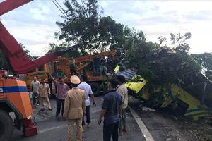 Hiện trường xe khách lao xuống vực làm 21 người gặp nạn, 1 người chết