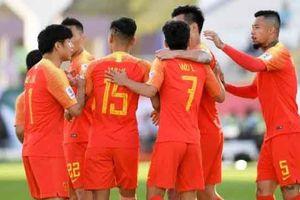Ngược dòng 2-1 trước Kyrgyzstan, 'Sói đầu bạc' Lippi cao tay hay may mắn