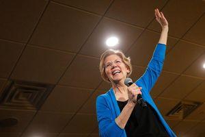 Chân dung nữ nghị sĩ 'nổ súng' tranh cử Tổng thống Mỹ 2020