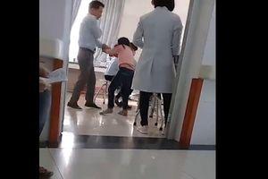 Tiết lộ bất ngờ về người bố bạo hành con gái 7 tuổi giữa bệnh viện