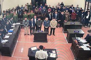 Hoãn phiên tòa xét xử vụ án chạy thận làm 9 người tử vong