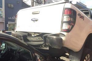 Đà Nẵng: Xe bán tải chạy lùi tông liên tiếp 2 xe máy và ôtô