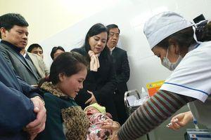 Bộ trưởng Y tế thị sát công tác tiêm chủng vaccine ComBE Five