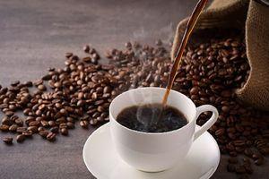 Vì sao không nên uống nhiều cà phê vào những ngày lạnh?