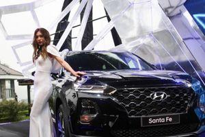 Hyundai Santa Fe 2019 đẹp long lanh vừa ra mắt tại VN: Giá lăn bánh bao nhiêu?