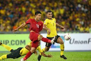 Hà Đức Chinh bị công kích vì đá 3 giải chỉ ghi 1 bàn, fan bênh vực