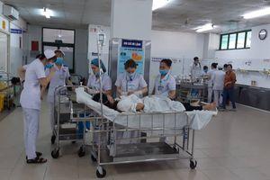 Tin mới vụ xe khách rơi đèo Hải Vân, 22 sinh viên gặp nạn