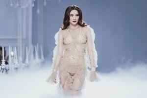 Chuyện Showbiz: Hà Hồ lấn lướt dàn Hoa hậu trong show của Lý Quý Khánh