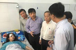 Xe khách chở sinh viên, giảng viên lao xuống vực đèo Hải Vân: Sức khỏe các nạn nhân giờ ra sao?