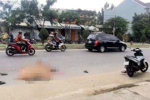 Xe máy va chạm xe tải, người phụ nữ chết thảm