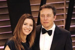 Những cuộc ly hôn ầm ĩ giữa người đẹp Hollywood và tỷ phú USD
