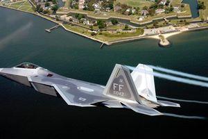 Trung Quốc chỉ điểm yếu F-22 khi đối đầu J-20