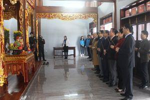 Phó Thủ tướng Vũ Đức Đam thăm, tặng quà Tết tại Bắc Cạn