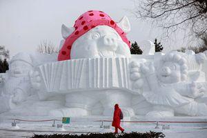 Choáng ngợp những tác phẩm điêu khắc bằng băng tuyết trên thế giới