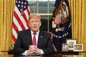 Tổng thống Trump yêu cầu 5,7 tỉ USD xây hàng rào thép