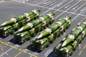 Trung Quốc dàn tên lửa có tầm bắn trùm khắp Biển Đông sau vụ tàu Mỹ tiến sát Hoàng Sa