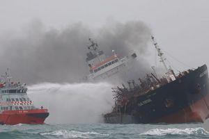 Nhận định ban đầu về nguyên nhân gây cháy tàu chở dầu gắn cờ Việt Nam ngoài khơi Hong Kong
