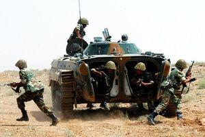 Houthi liên tiếp phóng tên lửa vào Ả rập Xê-út, Liên minh vùng Vịnh chiếm một ngọn núi chiến lược ở Yemen