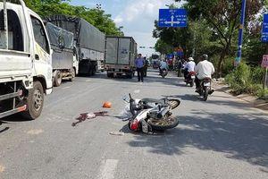 Ngã xuống đường, cô gái trẻ chết thảm dưới bánh xe tải