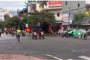 Xử phạt đoàn phượt thủ chặn ngã tư như xe ưu tiên ở Nam Định