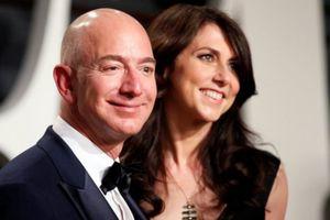 CEO Amazon có thể bị thổi bay 1 nửa tài sản vì ly dị vợ