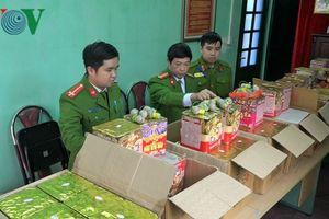 Lào Cai: Bắt giữ, tiêu hủy trên 2 tạ pháo vô chủ tập kết tại biên giới