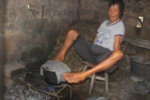 Người phụ nữ vượt lên nghịch cảnh với đôi chân diệu kỳ