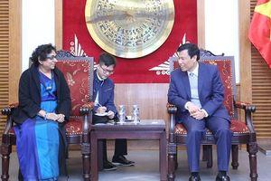 Kết thúc nhiệm kỳ công tác, Đại sứ Sri Lanka đến chào từ biệt Bộ trưởng Nguyễn Ngọc Thiện