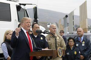 Tổng thống Trump đe dọa tuyên bố tình trạng khẩn cấp quốc gia