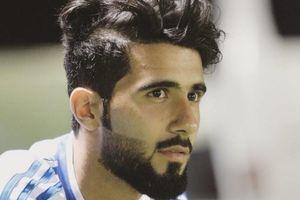 Đội trưởng U23 Iraq có vẻ ngoài lịch lãm, hút 600.000 fan trên mạng