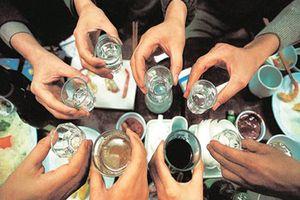 'Chuyện lạ' dùng bia cứu sống người ngộ độc rượu ở Quảng Trị: Đừng ngộ nhận việc 'lấy độc trị độc'