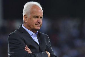 HLV Bernd Stange bị sa thải