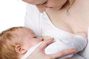 Dấu hiệu, cách xử lý tắc tia sữa, mẹ đang cho con bú nào cũng nên biết
