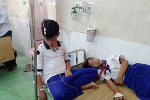 45 học sinh nhập viện sau khi súc miệng bằng dung dịch fluor