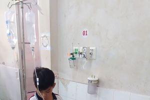 45 học sinh nhập viện sau khi súc miệng Fluor ngừa sâu răng