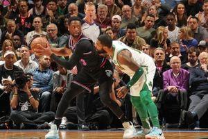 Dwayne Wade và các đồng đội 'lên đồng', Kyrie Irving cũng không cứu nổi Boston Celtics tránh khỏi thất bại
