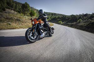 Mô tô điện đắt ngang xe sang LiveWire, không còn chất Harley-Davidson?