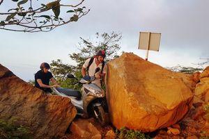 Đà Nẵng: Đường lên bán đảo Sơn Trà tắc nghẽn vì chưa khắc phục hết sạt lở
