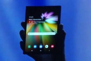 Điện thoại màn hình gập Galaxy F và Galaxy S10 5G có pin khủng cỡ nào?